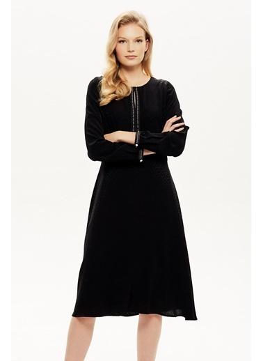 NaraMaxx Şerit Aksesuarlı Jakarlı Elbise Siyah